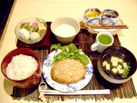 堺筋本町の日本紐釦の側の居酒屋【京のおばんざい小町】ランチセット1