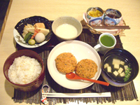 堺筋本町の日本紐釦の側の居酒屋【京のおばんざい小町】ランチセット2