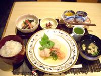 堺筋本町の日本紐釦の側の居酒屋【京のおばんざい小町】ランチセット3