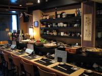 堺筋本町の日本紐釦の側の居酒屋【京のおばんざい小町】店内写真1(カウンター)